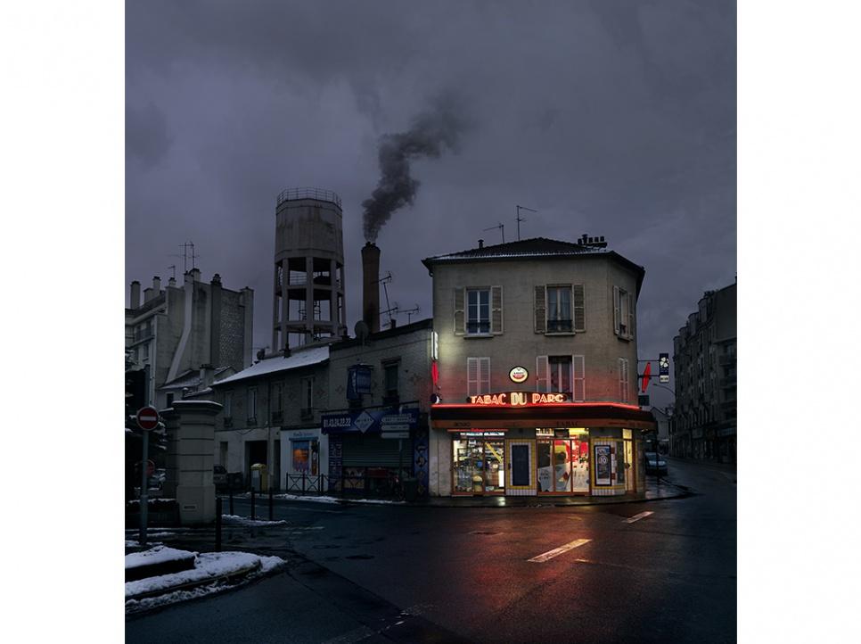 """Vieux bistrots : dernier inventaire avant disparition Le photographe Blaise Arnold signe la série """"Red Lights"""", album aux accents fabuleux compilant des photos de bars de Paris et sa banlieue. Blog photo Zoom'Up"""