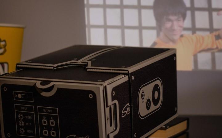 Un projecteur en carton pour votre smartphone